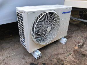 photo groupe extérieur d'une climatisation pour mobil home